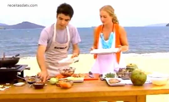 Lula recheada com shimeji e salmão