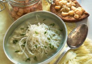 receitas da tv sopa, caldo com queijo ralado parmesão