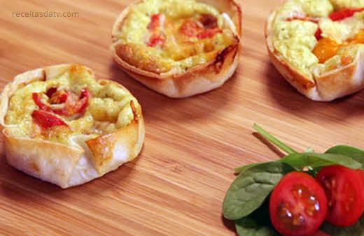 Receitas de tortinhas com queijo e tomate marguerita