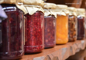Receitas de geléia de frutas morango, jabuticaba, laranja