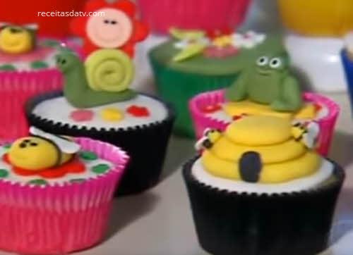 Receitas da TV cupcakes bolinho colorido